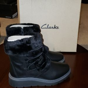 Clarks Ivery Crystal Boots sz 5 Black Faux Fur